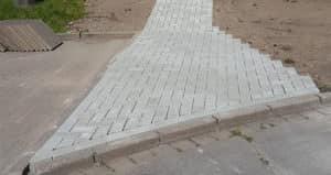 Rollstuhlrampe - Gehweg